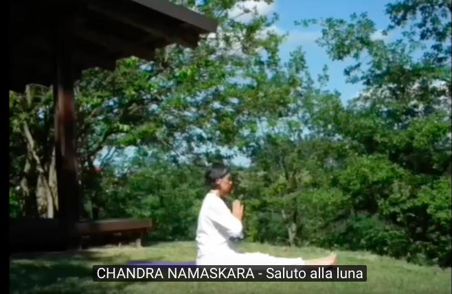 Chandra Namaskara – Il saluto alla luna